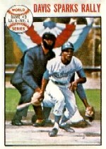 1964 Topps Baseball Cards      137     World Series Game 2-Willie Davis
