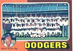 1975 Topps Mini Baseball Cards      361     Los Angeles Dodgers CL/Walt Alston