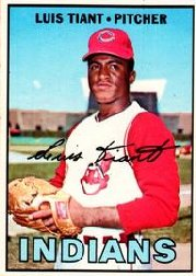 1967 Topps Baseball Cards      377     Luis Tiant