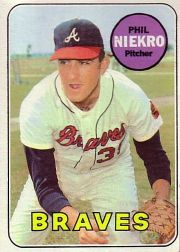 1969 Topps Baseball Cards      355     Phil Niekro