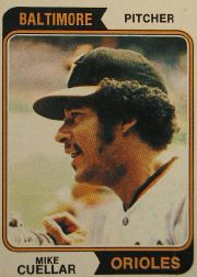 1974 Topps Baseball Cards      560     Mike Cuellar