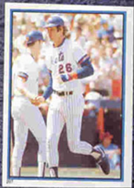 1983 Topps Baseball Stickers     207     Dave Kingman